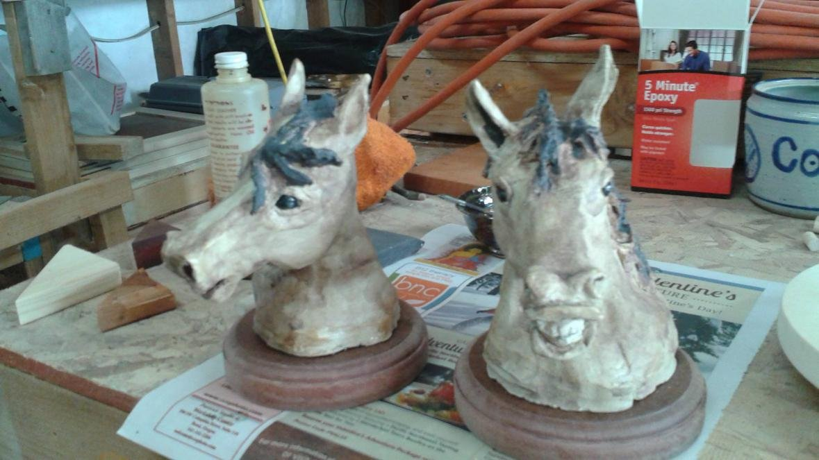 Horse and livestock clay sculpture-10857264_937012616319126_8245658243939972119_o.jpg