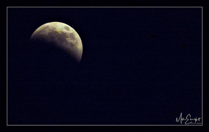 LUNAR ECLIPSE ~ A photograph-8z5svjuerykdjvhpgzhtqw_thumb_5309_fotor-1.jpg